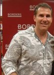 Nicholas Sparks Brings Romance to Borders