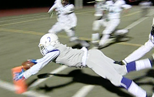 Franklin's first touchdown has Jalen Lampley diving into the endzone after a 15-yard dash.